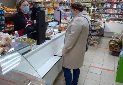 У многих покупателей возникают вопросы – почему им отказывают в обслуживании без масок?